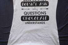 T-shirts op maat bedrukt / Ook t-shirts kunnen door mij op maat bedrukt worden. Leuk als kado, voor vrijgezellenfeest, teamuitje, bedrijfskleding, actiemoment, sponsoring, etc.