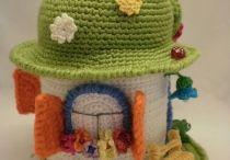 crochet toys / by Leonora Sketa