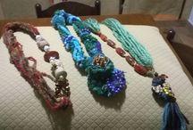accessori di lana / Sciarpe collane anelli...