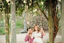 Photo Kicks: Engagement and Anniversary / Inspiration for taking clever engagement and anniversary photos