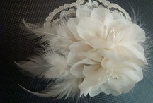 Floral and feather fascinator
