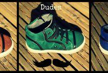 Cool dudes - stoere jongensmode najaar 2013 / Met name het leger groen en maïsgeel zien we terug in de trends voor de winter. De army trend zet definitief door, wat zich vertaalt in stoere badges, rangstrepen, militairy jackets en natuurlijk camouflage prints!   Een trend die prachtig combineert met de stoere army kleuren zijn de grove breisels. Combineer voor boys een stoere groene broek met een grof gebreid vest en het plaatje is compleet!