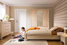 Ložnice / Nabízíme kompletní vybavení pro Vaše ložnice. Ať už vybíráte kompletní ložnici, nebo pouze samostatné postele, noční stolky, skříně či matrace a rošty, z naší široké nabídky si jistě vyberete.
