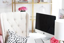 Home Office Decor Ideas / Design a home office that's productive and beautiful. Here is some inspiration for this important space in your home.