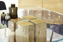 Massivholz Esstische ausziehbar / Unsere Massivholz Esstische beim Fotoshooting. Jeder hochwertige Maßtisch kommt aus einer Manufaktur und kann individuell zusammengestellt werden. Egal ob als ausziehbarer Esszimmertisch oder als Glastisch. Danke 9 Holzarten sind viele Farben möglich. Jetzt ansehen!