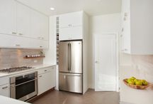 Kitchen Cabinet White – A Bright And Modern Kitchen Design!