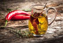 Kräuter-, Chili- & Knoblauch-Öle