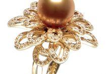 Jewelry: Contemporary & Undated
