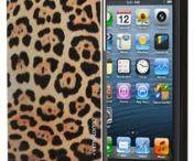 """Coque MOTOMO """"édition limitée"""" Safari / • Compatible avec tous les modèles d'iPhone 5/5S  • Coque rigide en polycarbonate léger pour une protection complète de votre iPhone 5/5S • Finition en aluminium brossé taillée au diamant pour la partie colorée de la coque  • Accès facile à tous les boutons de contrôle, ports et caméra une fois en place"""