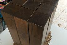 Table de chevet, tabouret / Tabouret bois et fer  Peinture noir antirouille  Peinture vernis chêne foncé