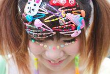 J-Fashion: Decora & Fairy / Decora Kei oftewel Decoration style is een kledingstijl in Japan waarbij alles draait om zoveel mogelijk accesoires! Hier lees je wat er allemaal bij komt kijken: http://www.thesushitimes.com/lifestyle/j-fashion-decora-kei/