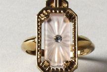 antique jewelry: