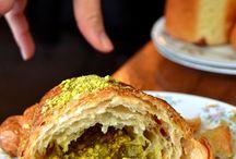 pistáciový croissant