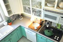 Kitchens / by Beth Kuykendall