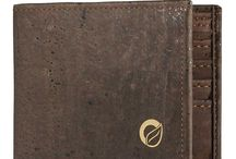 Vegan Wallets for Men / Find vegan wallet for men, an Eco Friendly, Cruelty-Free and non leather products made in Portugal. Check out this great collection of men's cork wallet.
