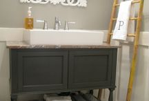 Home: Bathrooms / by Kelly Geckler