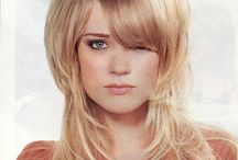 Layered Medium Hairstyles / Gallery of Layered Medium Hairstyles