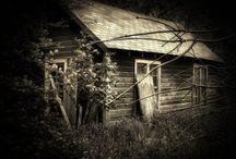 Gothic Places  / by Autumn Soleil