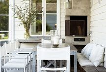 Outdoor Dining / by Catherine Campbell