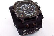 Мужские наручные часы / Вы ищите прикольные мужские наручные часы handmade в подарок? Мы предлагаем самые модные тренды – винтаж, хай-тек, классика. Модные авторские наручные часы позволяют подчеркнуть и свой имидж, выразить свою индивидуальность, создать собственный стиль и быть в центре внимания друзей и коллег.