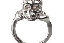 Anelli Bones / Bones. Ossa preziose. Anelli bracciali collane orecchini gemelli fermacravatte. I gioielli Bones sono ideati e prodotti a mano da artigiani orafi fiorentini.