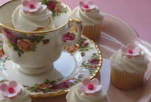 Cupcakes / by Lisa Thelin