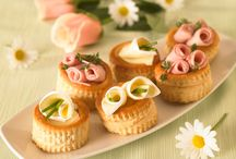 A tavola! / Tante idee deliziose per mettere in tavola tutto l'allegria e il gusto di Camoscio d'Oro.
