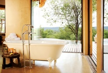 Molori Safari - Lesedi Suite / The Lesedi Suite measure 2500 sq. ft. / 232 m² each (inclusive of indoor/outdoor space). All suites feature a large living area, fireplaces, bedroom and bathroom with heated flooring for the cooler months, and infinity pools. The split-level Sephiri Suite, ideal for families, has two bedrooms, each with their own private bathrooms. The decks that extend from these suites are outfitted with luxurious Dedon daybeds for ultimate relaxation.