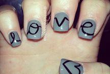 Uñas y más uñas