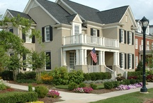 Home Elevation Dreams are Made of These / Favorite home exterior ideas from craftsman style to cottages