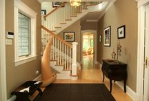 """Dramatic Foyers / Foyers you'd love to """"make an entrance"""" in"""