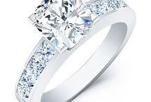 Cushion with Side Stones Engagement Ring / Beverly Diamonds has beautiful and wide collection of Cushion Engagement ring with Side Stones. We are proud to be the most affordable online jewelry store that sell quality diamond ring.