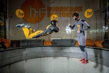 Větrný tunel - simulátor volného pádu / Kdo kdy nechtěl létat? S námi můžete i bez křídel ve speciální aréně. Pojďte si vyzkoušet bezpečný volný pád. :-)  http://www.impresio.eu/zazitek/skydive-arena-vetrny-tunel