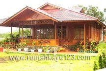 Rumah Kayu Woloan - Medium / Rumah Kayu - Medium  2 Kamar Tidur, 1 Ruang Tamu, 1 Ruang Makan, Teras, Tangga depan dan belakang.
