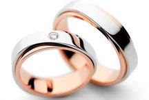 wedding rings couple