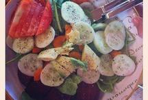 Salads / by Stephanie Bettencourt