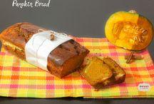 Pumpkin bread / Pane dolce speziato alla zucca con un cuore cremoso di formaggio