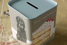Tinware / Money tins, biscuit tins, storage tins & mint tins. We love tin!