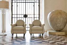 """Кресла / http://soluzionidicasa.ru/catalog/cushioned/ Компания Soluzioni di casa предлагает широкий ассортимент мягкой мебели, в том числе, кресел от ведущих итальянских производителей. Огромный выбор форм, фактур, габаритов, стилей - у нас Вы сможете найти """"свою"""" модель, подчеркивающую Вашу индивидуальность и стиль."""