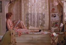 映画・テレビ・絵の中の女の子の部屋