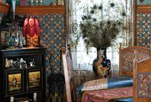 HOME / Decorating & Organizing