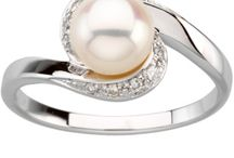 Pearl Jewelry /  Palm Beach Jewelers offers unique collection of pearl jewelry. Shop for pearl earrings, pendants, necklaces, pearl rings and more here in secure online store. Listed with the Jewelers Board of Trade (JBT). Free Shipping on orders over $100.