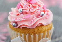 Food: Cupcake  / cupcakes are a small piece of art. #food #cake #colour
