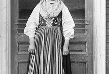 Sweden- Leksand och Ål / Folkdräkt och folkliga textilier från Leksands och Åls socken, i Dalarna. Traditional clothing and textiles from Leksand and Ål, in the Swedish province Dalecarlia.