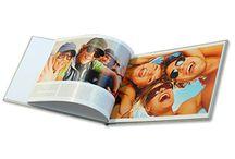 Fotobuch / Wählen Sie aus zahlreichen verschiedenen Formaten und Ausführungen. Egal ob Fotobuch auf Fotopapier, Fotobuch mit Fotocover oder Harcover, bei AustroBild erhalten Sie Qualität aus Österreich.