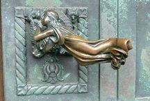 Door handle and knoker- Maniglie