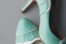 Sapatos que te levam onde você pode ir! / Caminhar é preciso, mas com sapatos lindos e confortáveis!