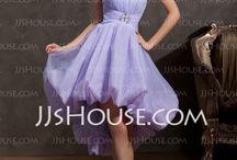 Dresses / by Valeria Vesco