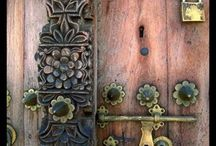 Antik Şehirde kapılar.
