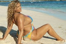 Hunter McGrady Sports Illustrated Swimsuit Body painting